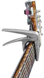 AROMA AC-01, kapodastr na kytaru, kovový