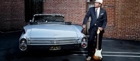 FENDER Robert Cray Stratocaster®, Rosewood Fretboard, Inca Silver